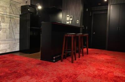 第三スペース「麻布星条旗通り」 バーカウンターキッチン/スタジオの室内の写真