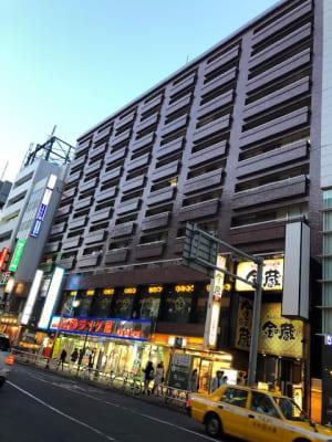 東京言語学院新宿校 会議室の外観の写真