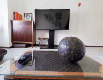 50型大型液晶テレビとマウスリモコン。映画鑑賞にもゲームにも❣️ - Lv5目黒川の室内の写真