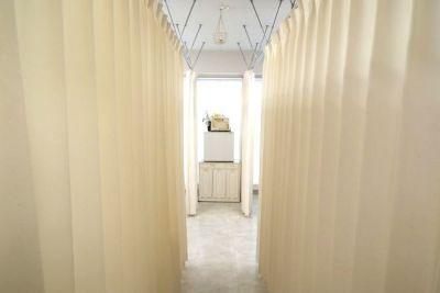 個人サロンの開業に専属1部屋 1ヶ月単位で1部屋専属利用!の入口の写真