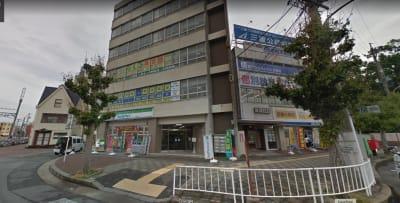 オムニバ「津駅前」 近鉄津駅西口徒歩1分の好立地の入口の写真
