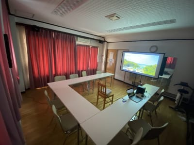 みどりスタジオ 多目的ルームの室内の写真