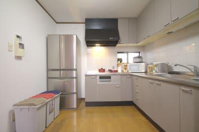 遊泊・昭和町 レンタルスペース 一階部分貸し切りスペースの室内の写真