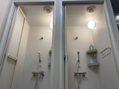 岡崎慎司フットサルフィールド スポーツ施設の設備の写真