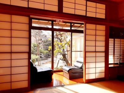 和室からの縁側 - スペースシェア「あおやま」 102号室(和室)の室内の写真