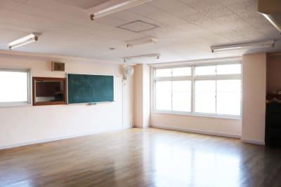 こひつじ国際共育センター ろばの室内の写真