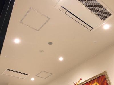 YOLO BASE ミーティングルーム(多目的)の室内の写真