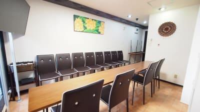 面接会場向けレイアウト - 貸し会議室【モルディブ】 渋谷少人数利用可レンタルスペースの室内の写真
