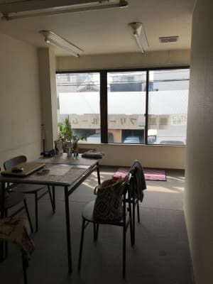 明るいお部屋です - 豊里フリールーム A教室の室内の写真