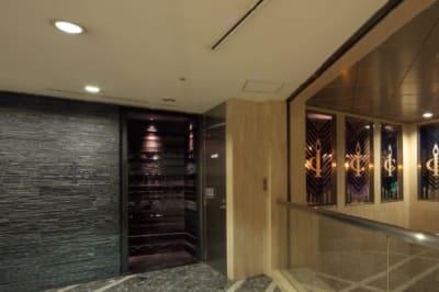 イベントスペース ICON スチール撮影 200名収容可能の入口の写真