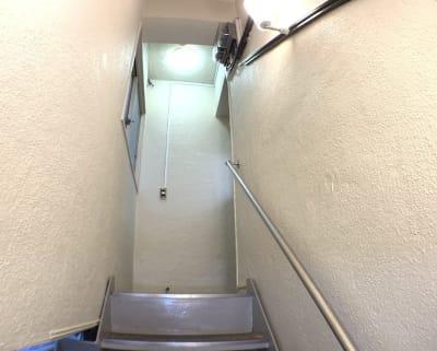 西麻布ベース &EIGAの入口の写真