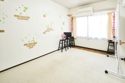 SAKURA会議室 レンタルスペースの室内の写真