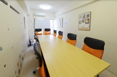 RAKUNA 高田馬場 A会議室の室内の写真