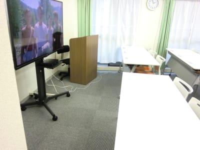 しらゆり会議室 駅前ひろびろスペースの室内の写真