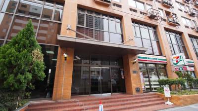 【テラス】横浜の貸し会議室 WiFi大型モニタホワイトボードの外観の写真
