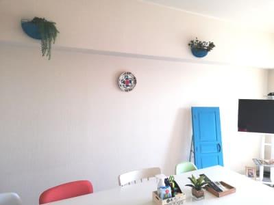Web 会議の背景にも使えます。 - 高田馬場スペース アンダルシア会議室の室内の写真