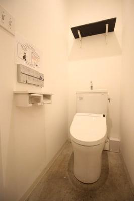 THE NEXT DOOR 多目的スペースの室内の写真