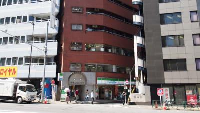 【ショコラ】東京 新宿貸し会議室 WiFi大型モニタホワイトボードの外観の写真