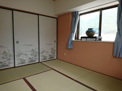 JK Room 足原店 多目的スペース テレワーク推奨の室内の写真