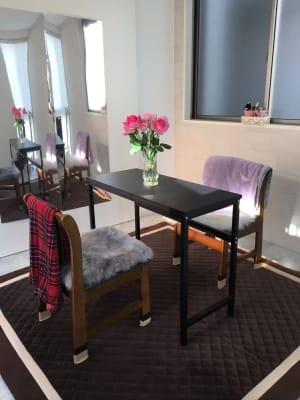 ひざ掛け2枚ご用意しております。 - レンタルスペースMTAC 扉で仕切る個室&スタッフ常駐の室内の写真