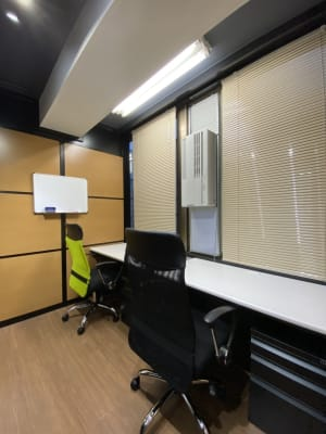 ONE DAY OFFICE TOKYO 3密回避 テレワークの室内の写真