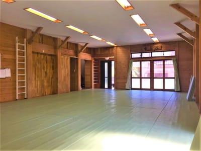 レンタルスペースふじみ野 多目的スペース(30名用)の室内の写真