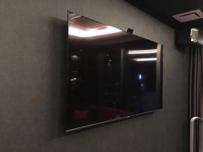 60型以上TV、スピーカー完備 - ルームレストラン バチェラー ダヴィンチの設備の写真