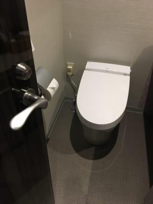 専用トイレ - ルームレストラン バチェラー ラファエロの設備の写真