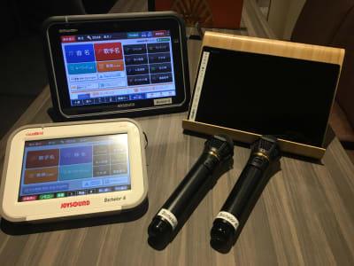 カラオケ設備、タブレット、クロームキャスト完備 - ルームレストラン バチェラー モネの設備の写真