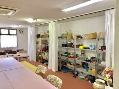 スタジオ・ブロードウェイ 70平米の貸し会議室の室内の写真