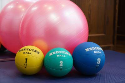 その他バランスボールやメディシンボールもご利用いただけます - 19Factory パーソナルトレーニングスペースの設備の写真