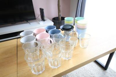 グラス、マグカップもあります。 - ケイアンドテイ心斎橋 602号室の設備の写真