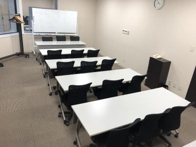 スクール形式例 - ホテルウィング新宿 3階貸し会議室の室内の写真
