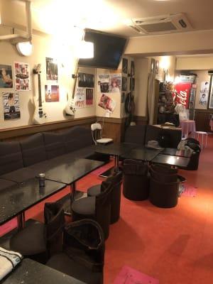ライブショップイセヤ 1Fの室内の写真