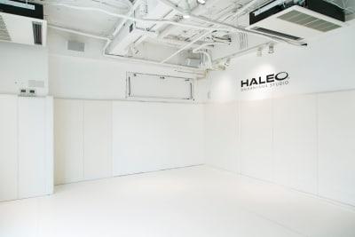 白を基調とした爽やかな空間です。 - HALEO代官山スタジオの室内の写真