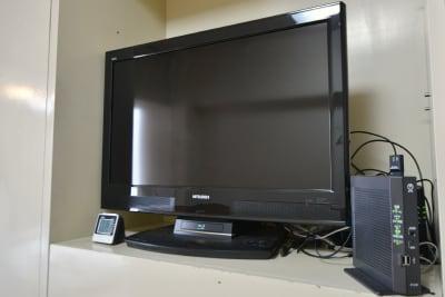 三菱/REAL HDD&ブルーレイ内蔵 32型液晶TV LCD-32BHR300 - おてがる会議室in758 Share8P『ポルックス』の設備の写真