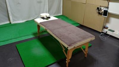 施設にある施術代も自由に利用できます。 もちろん無料!! - ゴルフスタジオZAMET ユーティリティースペースの室内の写真