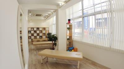 施術ルーム②  - 整体サロンArtBody レンタルサロンの室内の写真