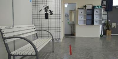 手洗い、ロッカー - フェリスアン スタジオ237 北館 多目的スペースの室内の写真