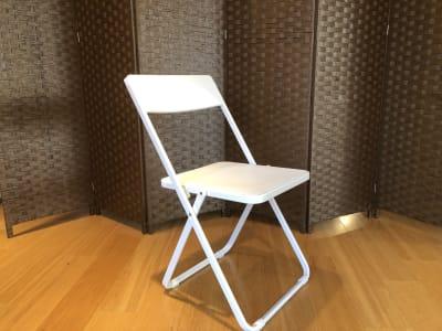 折りたたみ椅子 - レッスン&レンタルスタジオ StudioBoo-Thang スタジオの設備の写真