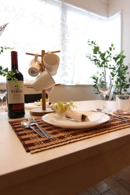 基本的な食器は全てご用意しております。 - 【GHON】便利な立地の戸建貸切 戸建て貸切 #201の設備の写真
