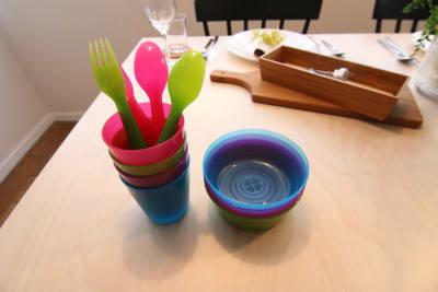 お子様用の食器類もございます。 - 【GHON】便利な立地の戸建貸切 戸建て貸切 #201の設備の写真