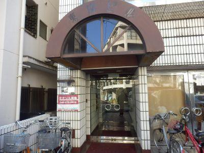 池袋ホール【加瀬会議室】  中会議室の入口の写真