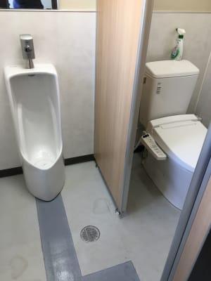 1階男女兼用トイレ - フマニタスビルレンタルスペース 1階・多目的会議室フロア の設備の写真