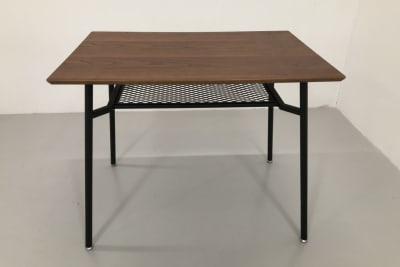 貸し出し可能なテーブルです。 サイズ:縦60×横90×高さ73cm 個数:4台 - アトリエSubaru ギャラリーフロア(多目的な用途)の設備の写真