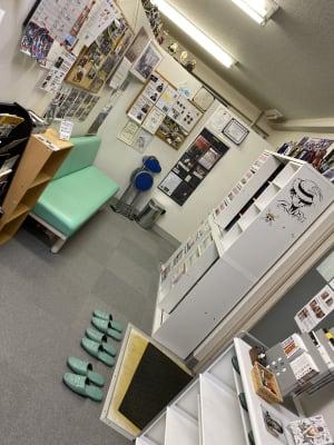 台東すこやか整骨院 治療室、トレーニングスペースの入口の写真