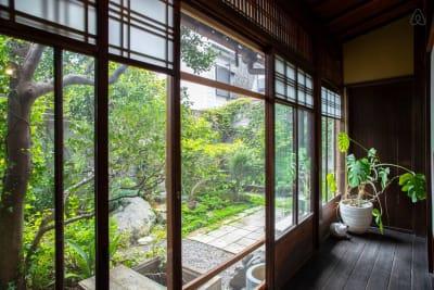縁側 - 日暮荘 【個室・お一人利用】仕事や勉強にの設備の写真