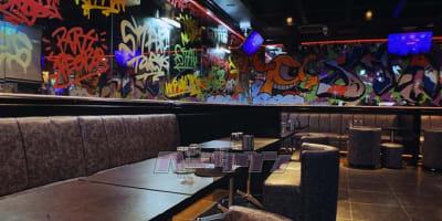 bar フリースペースの室内の写真
