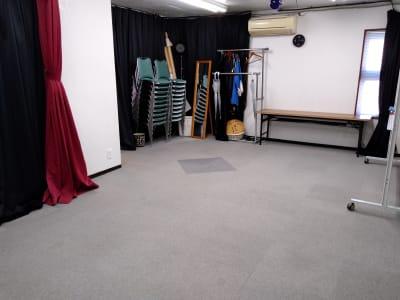 全景③ 椅子は20脚ありますが 10数人迄のご利用をオススメします。 - 大京クラブ【レンタルスペース】 【多目的スペース】の室内の写真