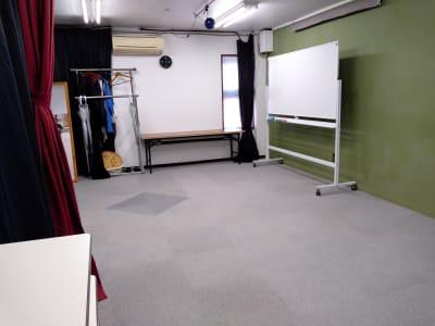 全景② 大きめのホワイトボードもあります。 - 大京クラブ【レンタルスペース】 【多目的スペース】の室内の写真